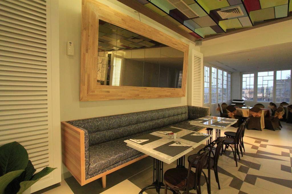 interior-contractor-the-101-bogor-suryakancana-photos-exterior-hotel-information-074326_bogor1013
